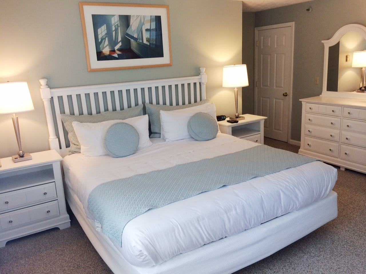 Maine Bedroom Furniture One Or Two Bedroom Suites In Wells Maine At Elmwood Resort Hotel