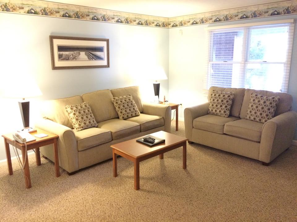 One or two bedroom suites in wells maine at elmwood - What is the meaning of living room ...