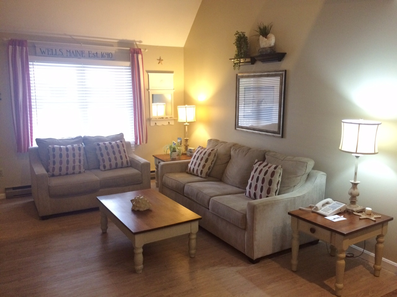 One Or Two Bedroom Suites In Wells, Maine At Elmwood